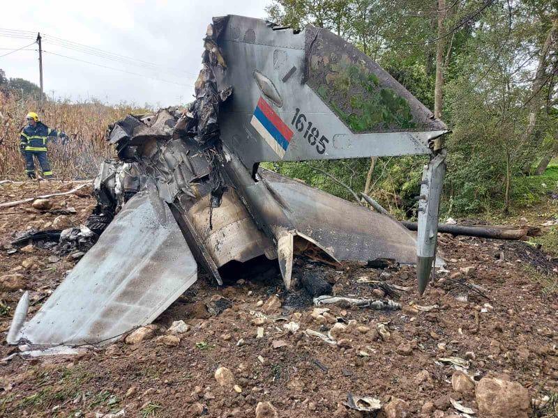 Нова: Пилоти хероји остали у авиону да не би пао на куће