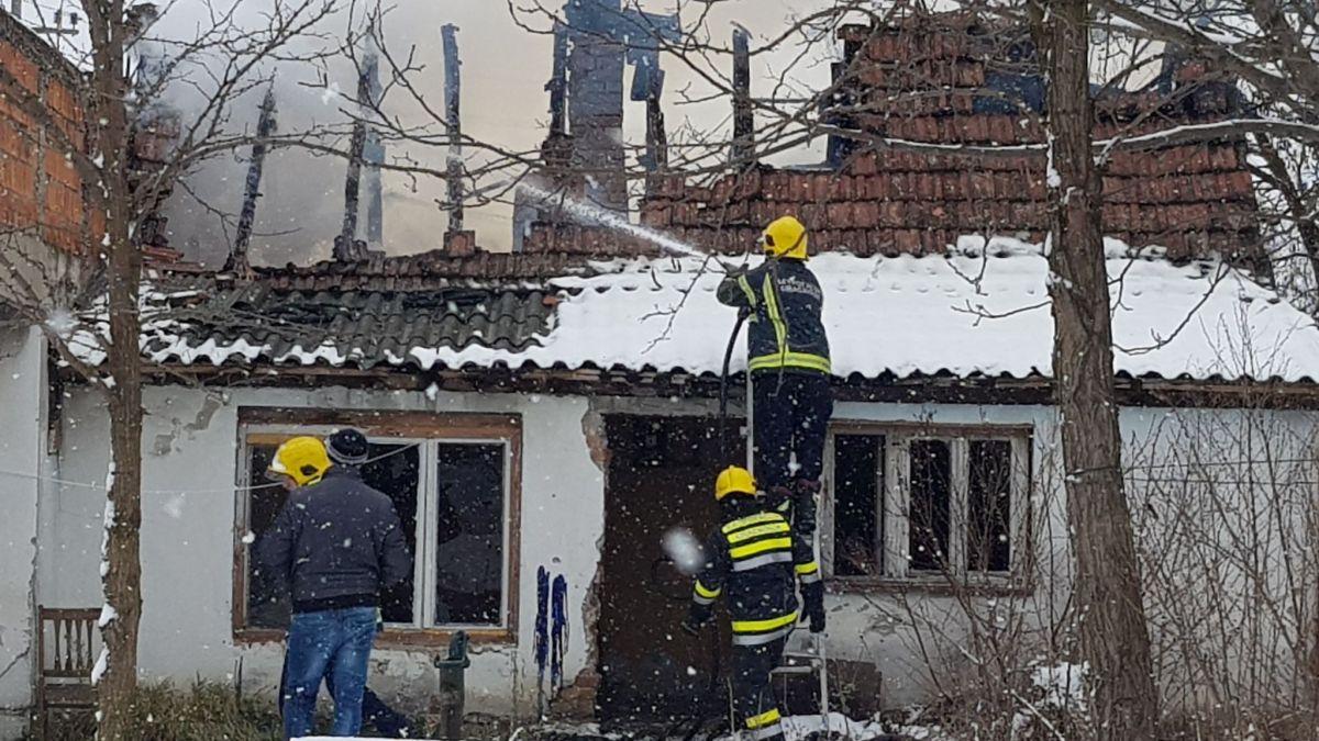 Изгорела кућа у Мајуру