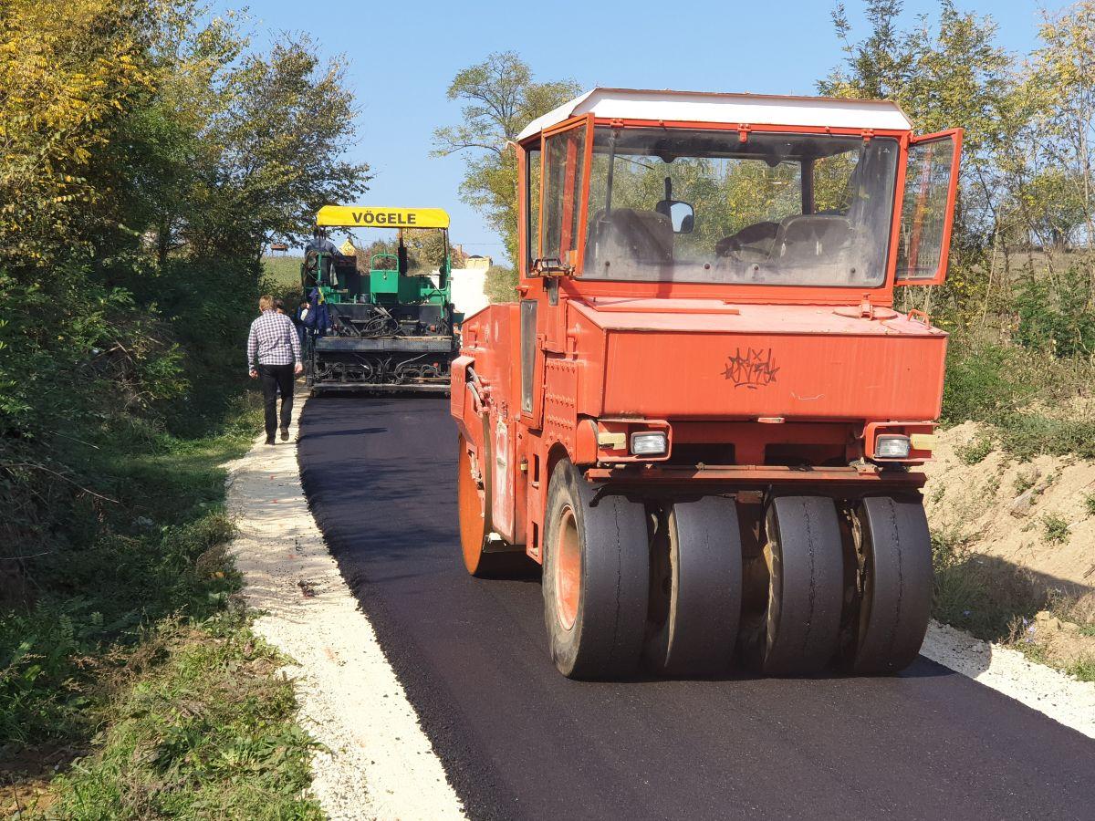 U selu Nakučani izvode se radovi na uređenju puta