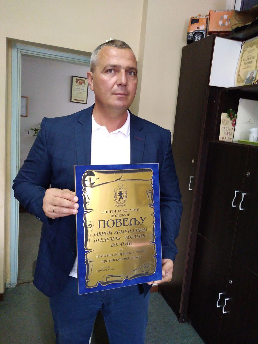 "VLADAN POPADIĆ,  DIREKTOR ""JKP"" BOGATIĆ"