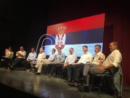Osnivači Saveza za Srbiju u Šapcu predstavili program od 30 tačaka i odgovarali na pitanja građana