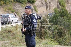 Албанци блокорали пут ка селу Бање