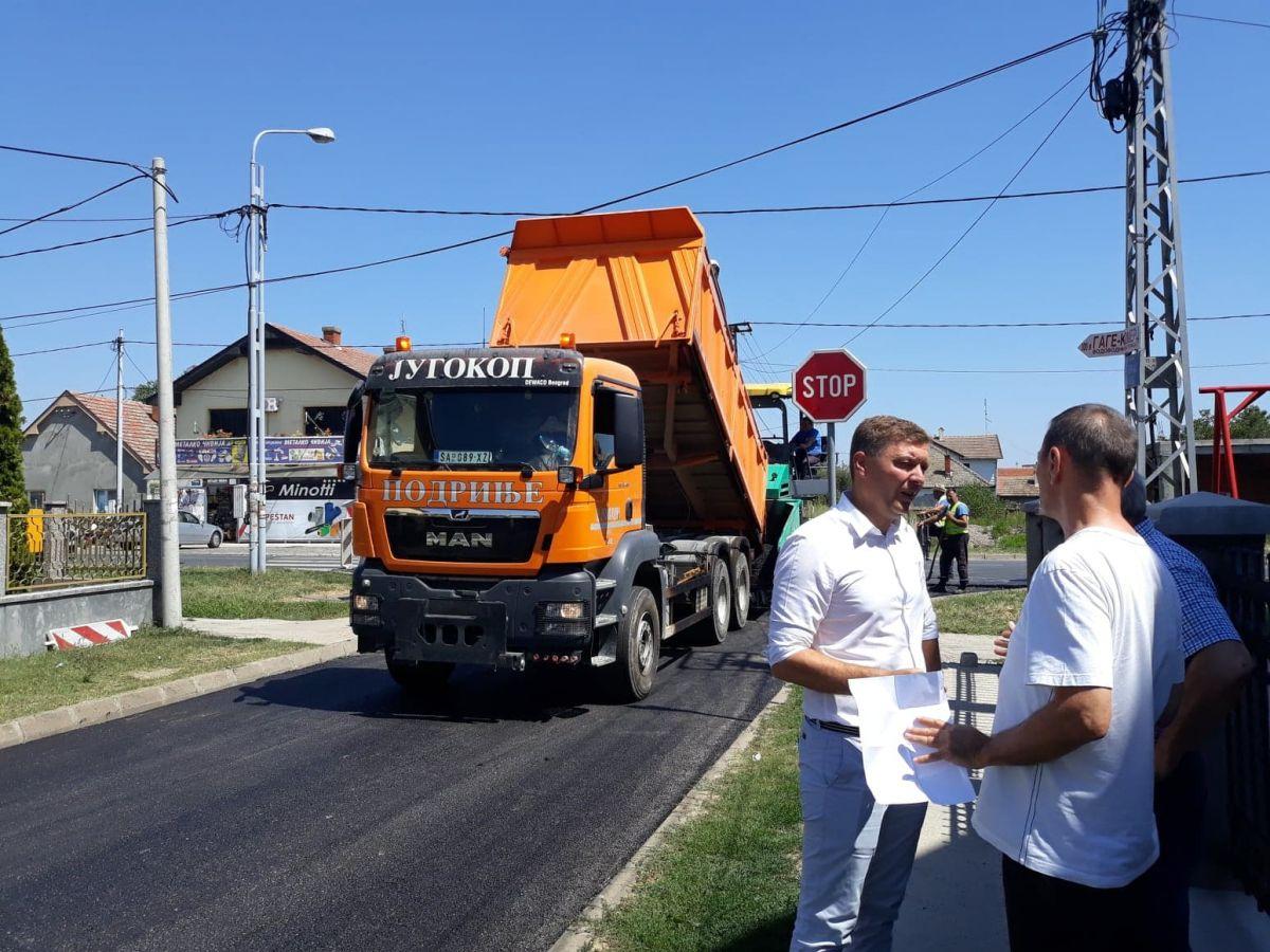 Asfaltirane Uskočka i Jasenovačkih žrtava; gradonačelnik demantuje da je tender namešten