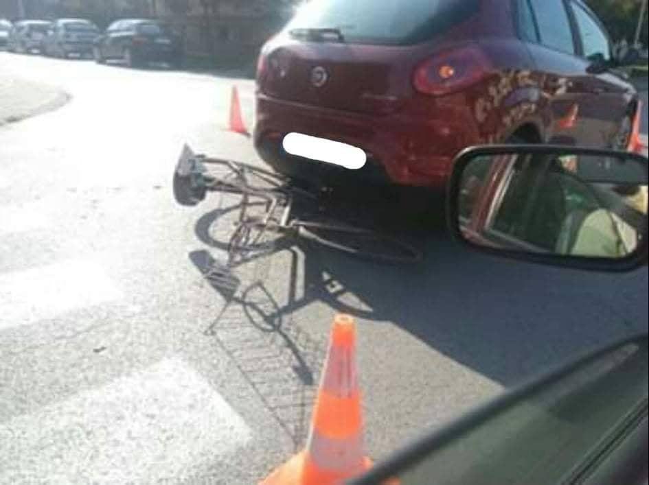 Sudar automobila i bicikla