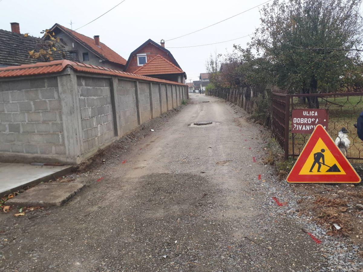 U Pocerskom Pričinoviću četiri ulice dobile asfalt
