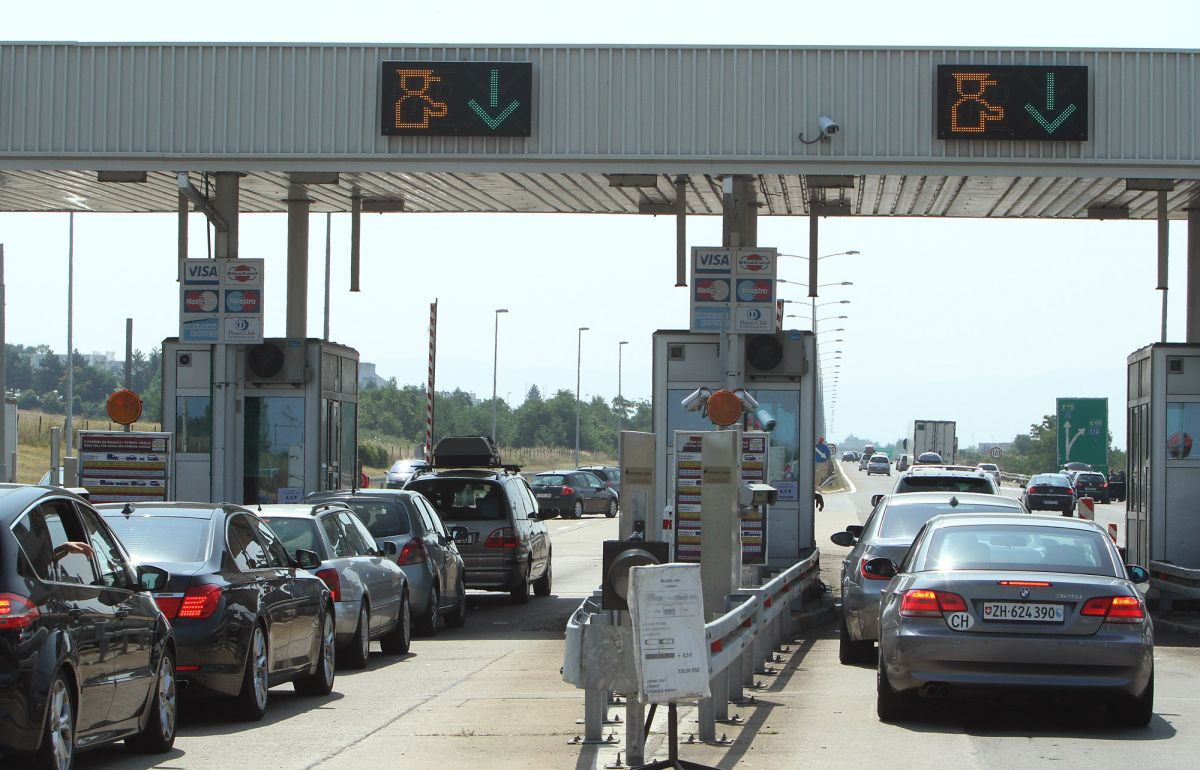Mihajlović: Do 1. septembra 37,5 miliona vozila na auto-putevima u Srbiji