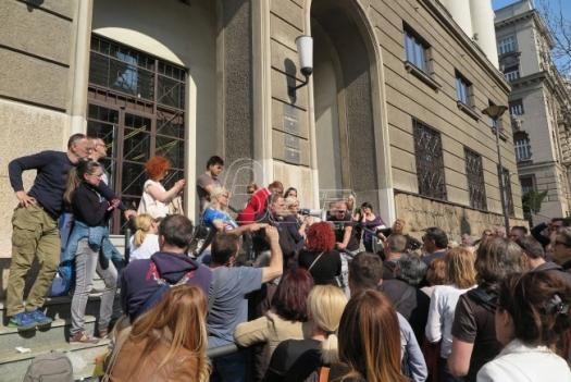 Transparentnoast Srbija: Zakon o kreditima u švajcarskim francima mora na javnu raspravu
