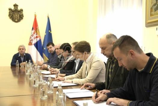 Потписан споразум радника Поште и Владе Србије о прекиду обуставе рада и исплати повишице