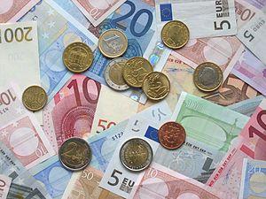 Evro u ponedeljak 117,77 dinara