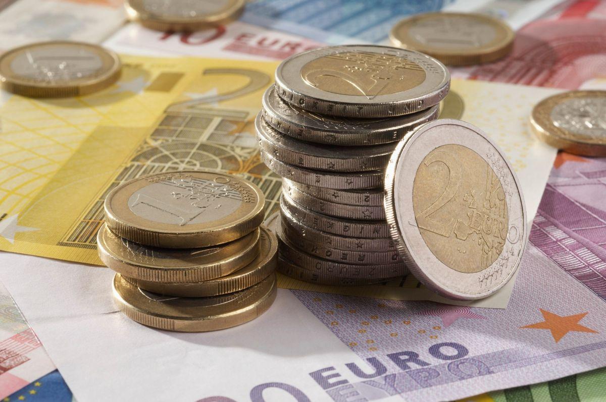 Domaća valuta neznatno jača