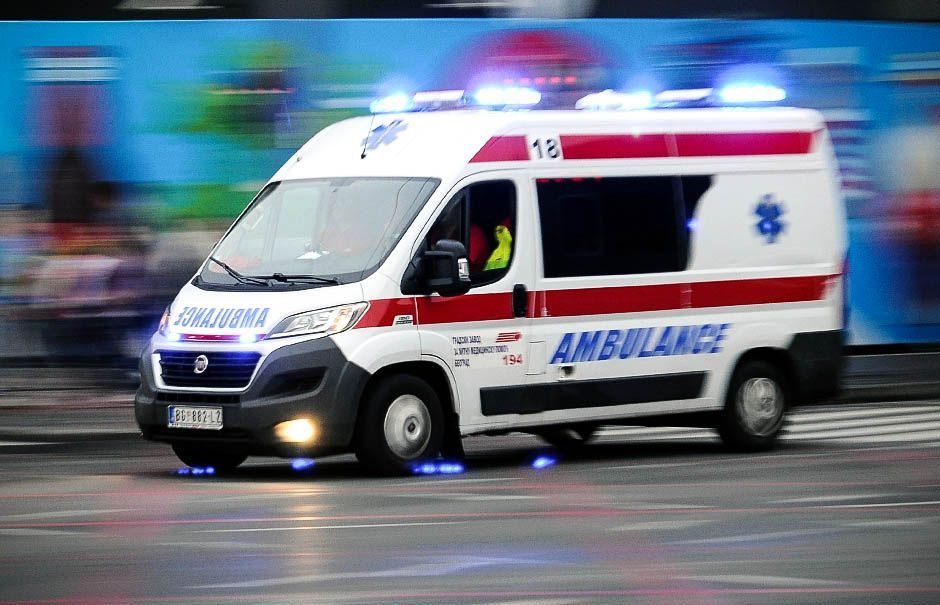 Два лица повређена у саобраћајној незгоди