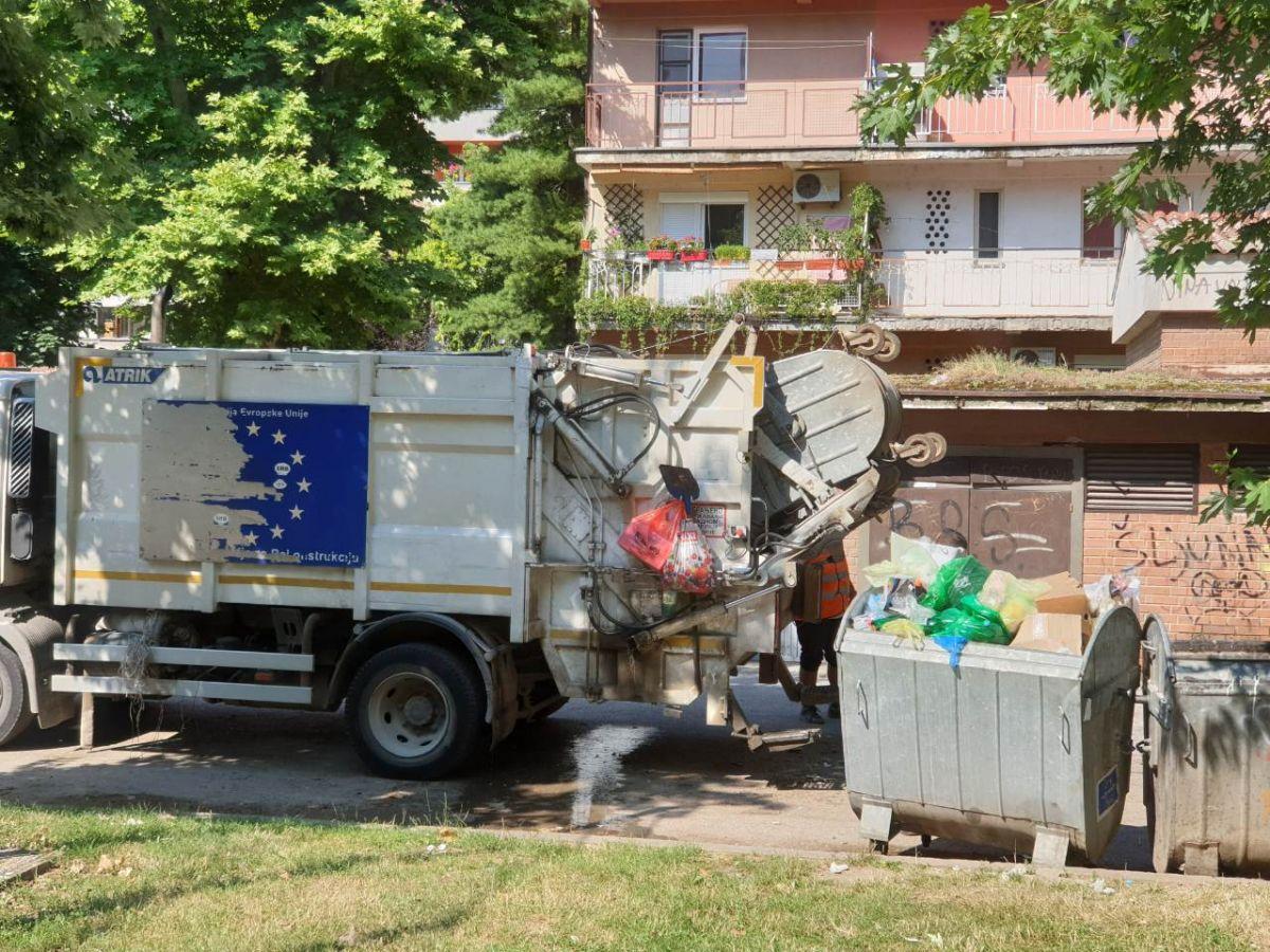 U Šapcu redovno odnošenje smeća