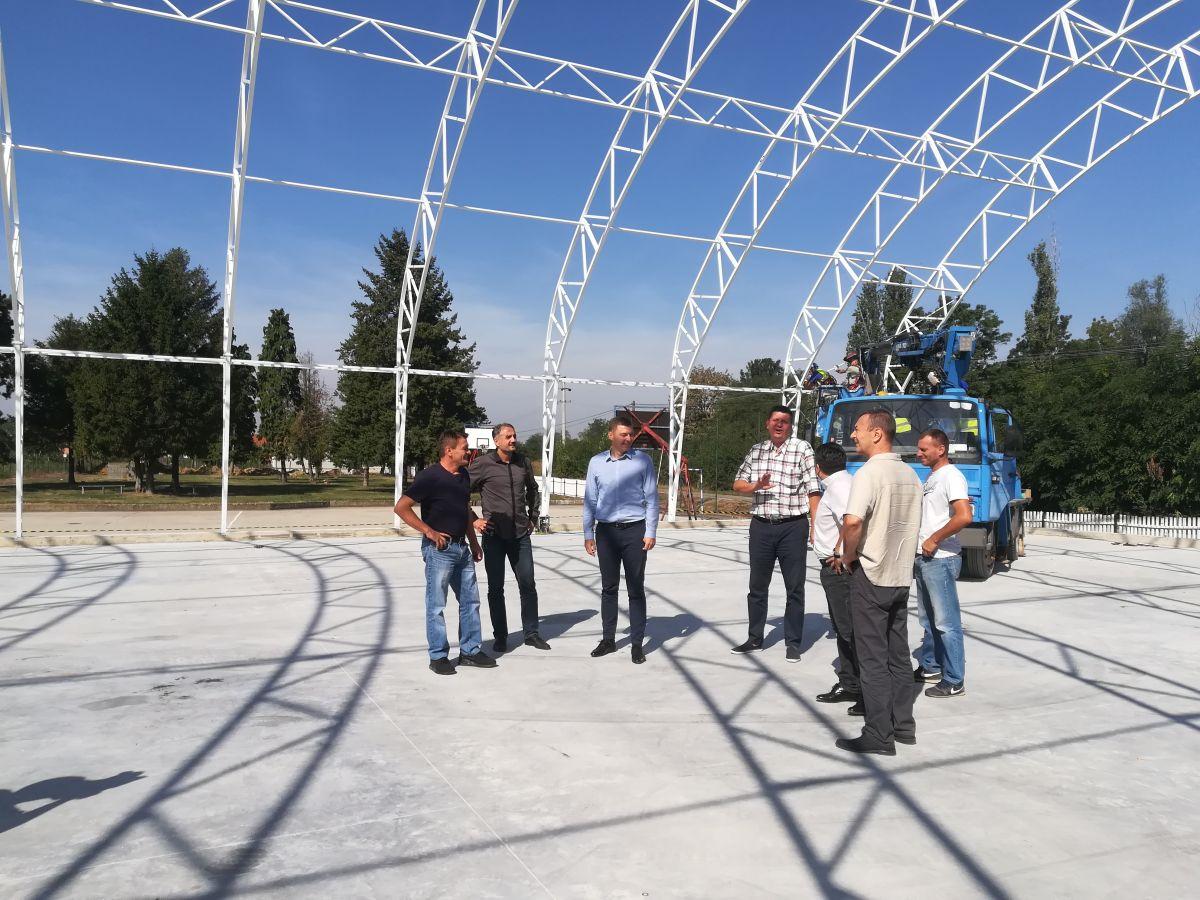 Изградња балон сале у Змињаку
