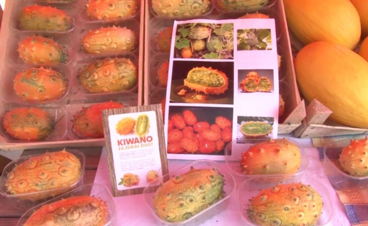 Воће Кивано на Сајму органске хране