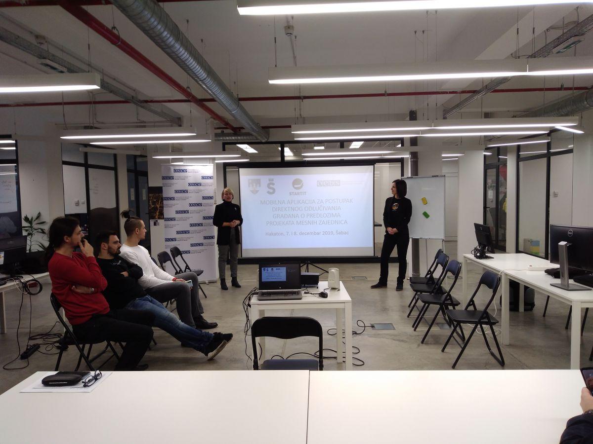 Хакатон - пројекти једноставнији уз апликације
