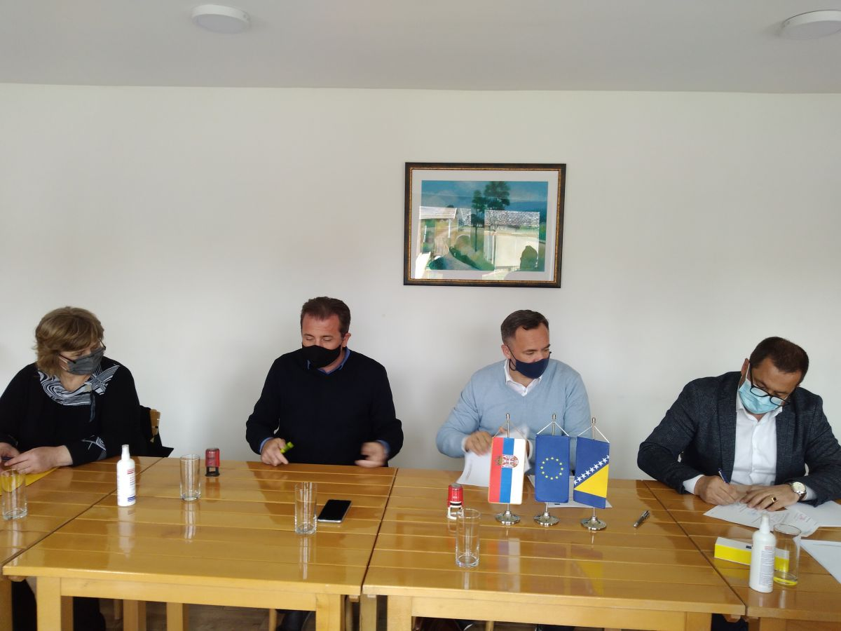 Potpisan partnerski  sporazum Caritasa Šabac Opština Bogatić sa udruženjima iz BIH Pro Reha Sarajevo i SEC Banja Luka na realizaciji projekta EU Poboljšanje zapošljivosti ljudi iz osetljivih grupa pružanjem novih znanja i veština