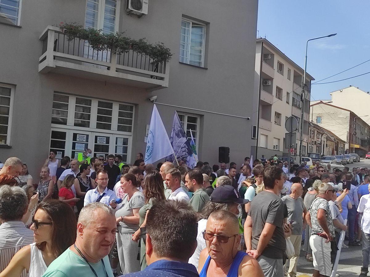 Протест против новог просторног плана Лознице