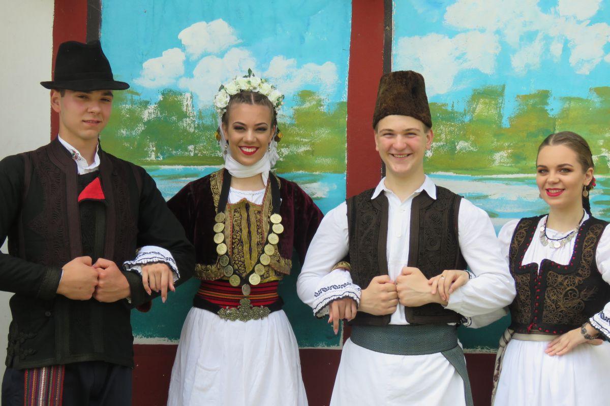Mačvani na Festivalu narodne pesme i lepote  u Knićaninu  kod Zrenjanina