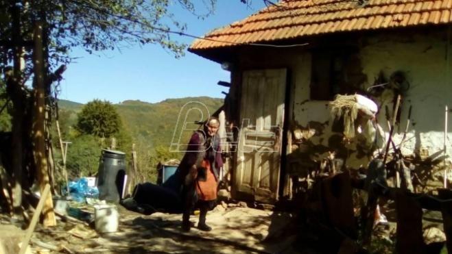 Код Куршумлије стогодишњакиња живи у беди и сиромаштву