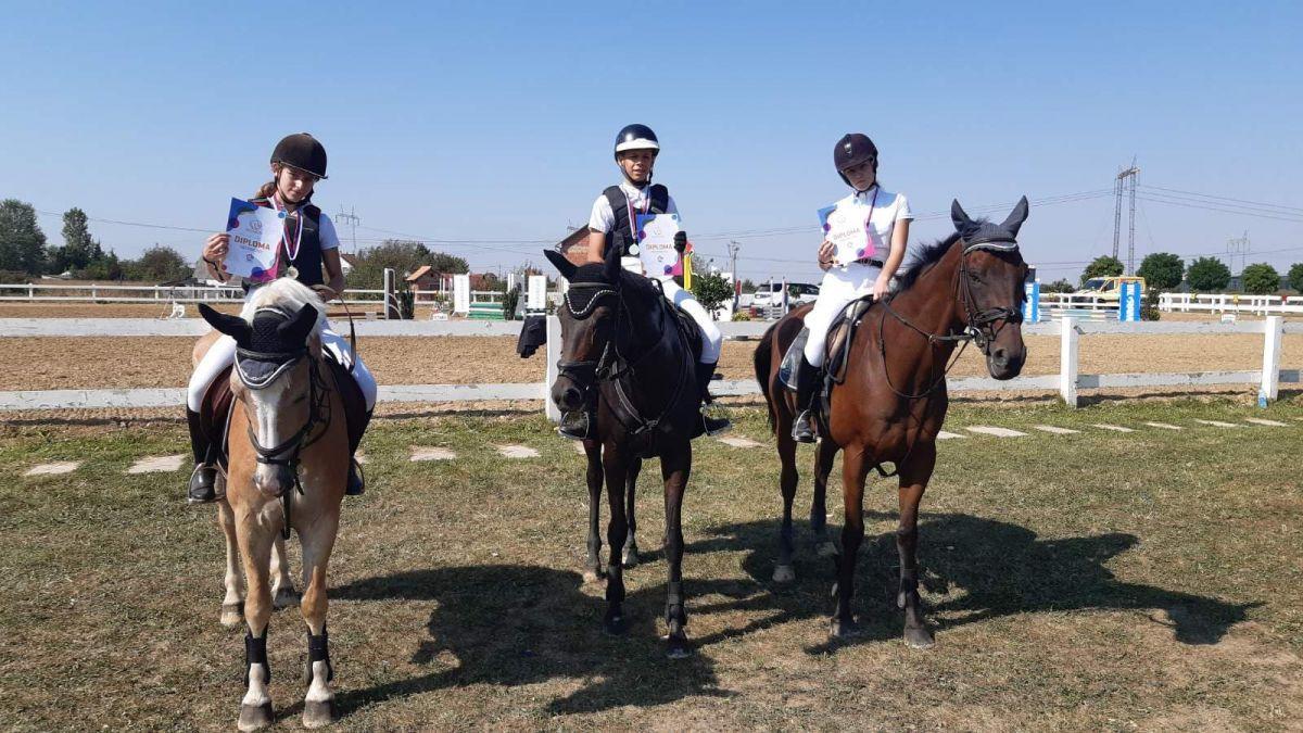 Три медаље са Ride and Shine туринра