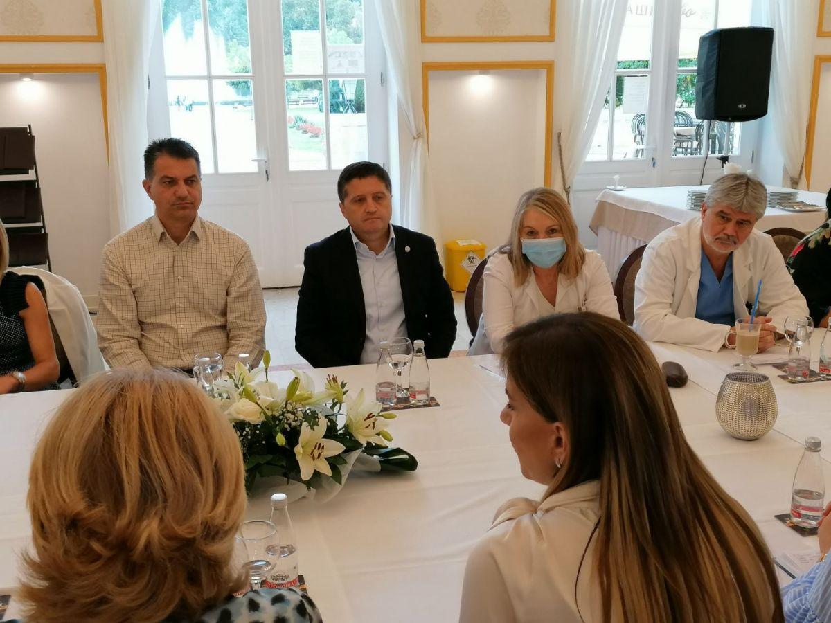 Banja Koviljača: Zdravstvena zaštita i rad zdravstvenih ustanova u vreme pandemije korona virusa