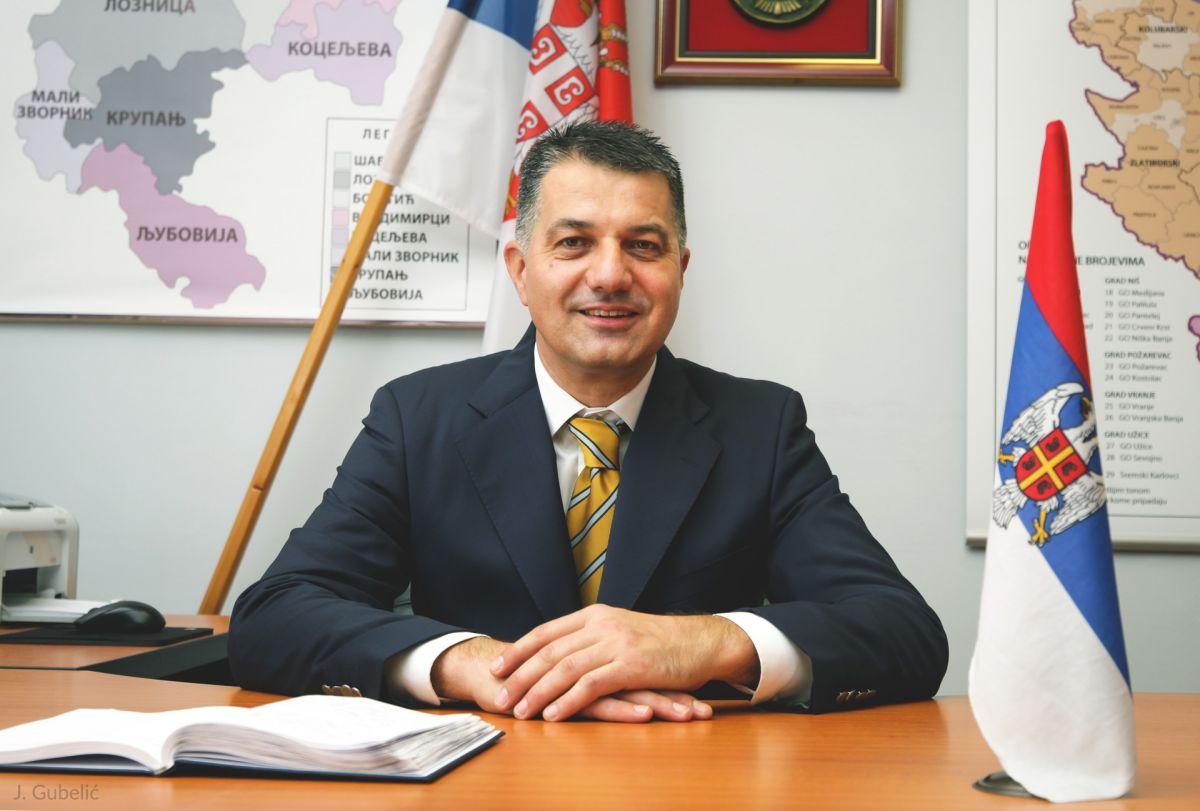 Честитка Владана Красавца,начелника Мачванског управног округа за Дан жена