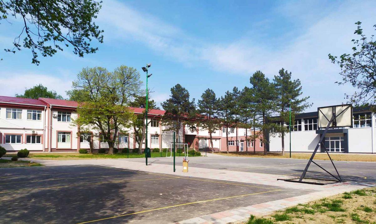 Школа у новом руху