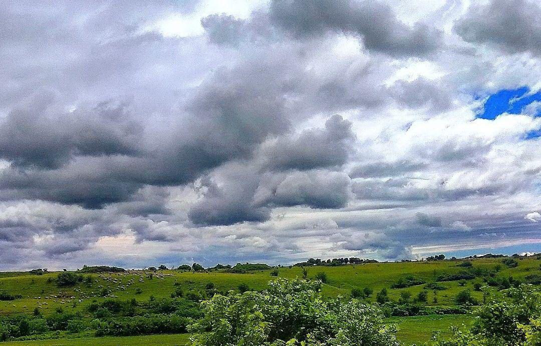 У Србији сутра топло, уз временске непогоде у источним и југоисточним крајевима