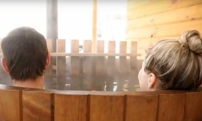 Отвара се хотел у којем се купа у базенима са пивом