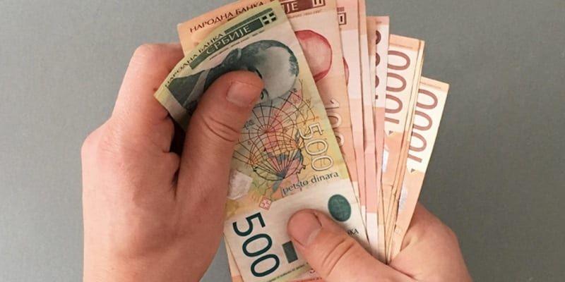 Danas: Ekonomisti Srbije suprostavljenih mišljenja o opravdanosti povećanje plata