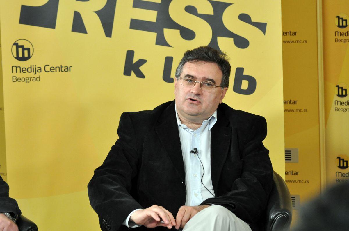 Вукадиновић: Без раскида са ауторитативним режимом