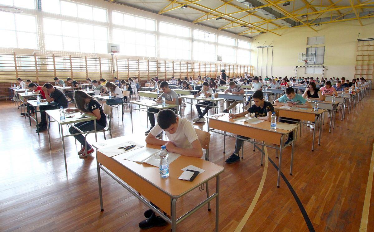 Ministarstvo tvrdi da je test iz matematike protekao bez neregularnosti