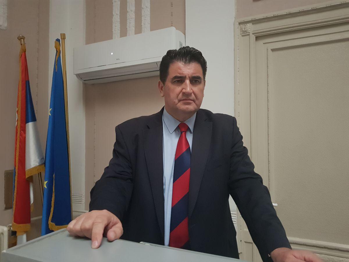 prof. dr Branko Živanović: Šef katedre za Ekonomiju i finansije Beogradske bankarske akademije