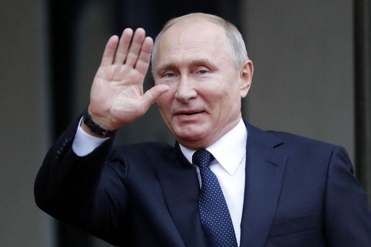 Путин припрема пакет за Србију