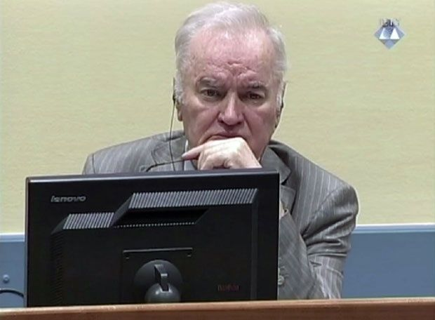 Уочи пресуде Младићу: За Србе херој, за Бошњаке крвник и највећи ратни злочинац
