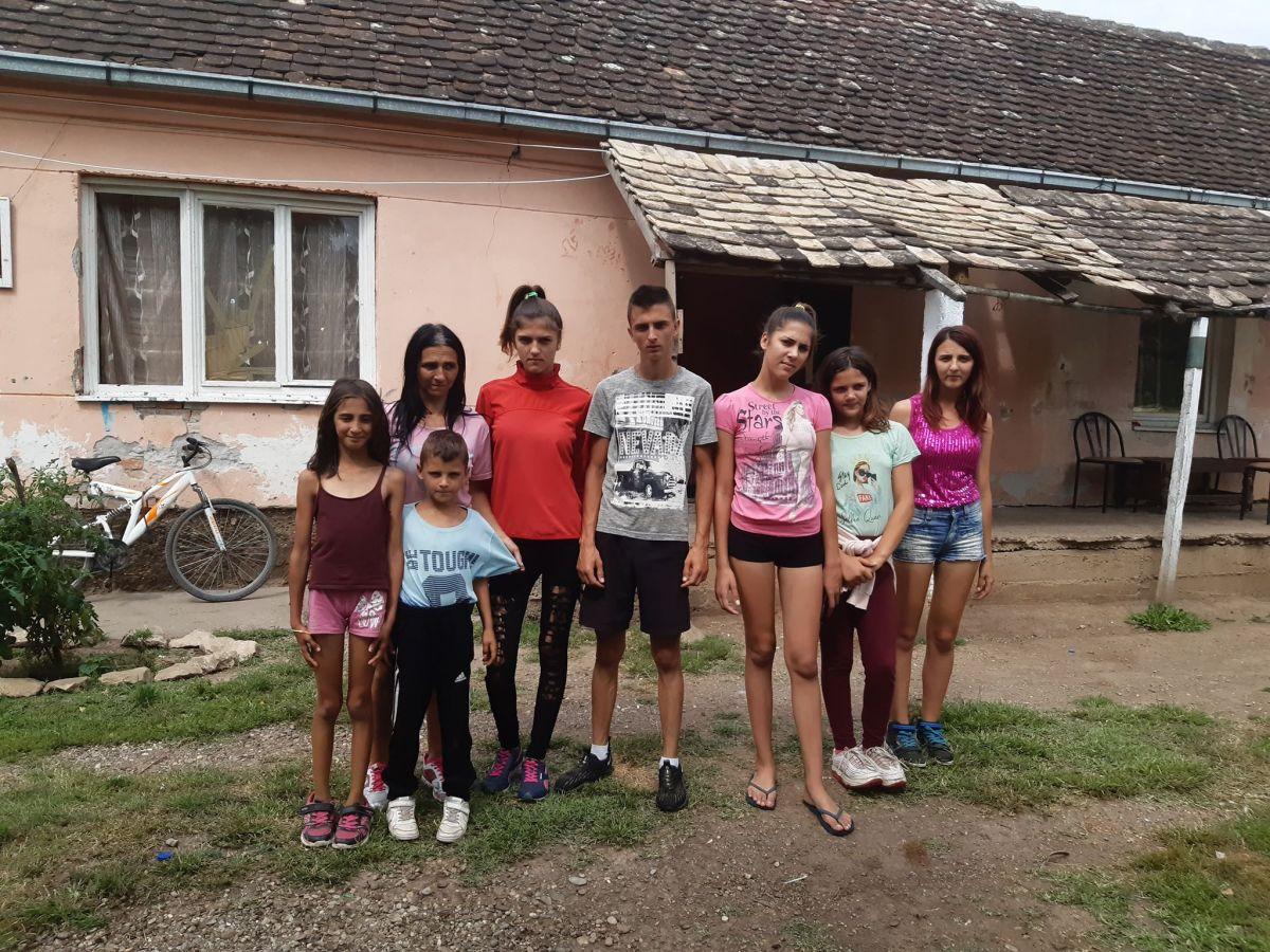 Седморо деце живи у тешкој немаштини