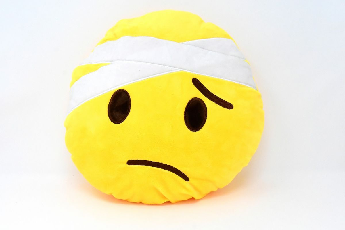 https://pixabay.com/photos/smiley-face-emoticon-sad-ill-3058590/
