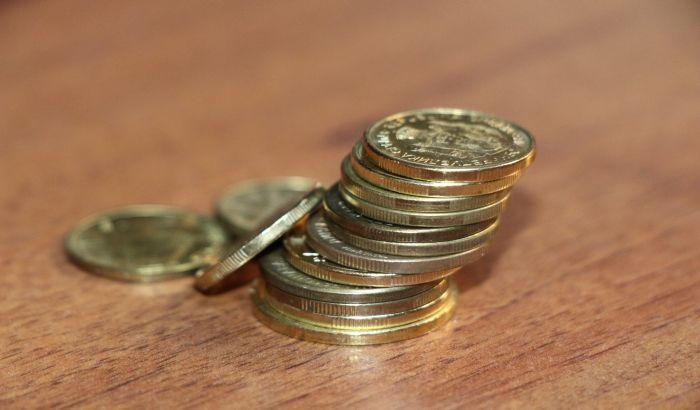 Шапчанка са рачуна мушкарца подигла скоро 400.000 динара и трошила на себе