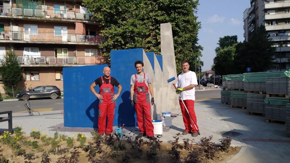 Skulptura Fabrika obojena Tikkurila bojama