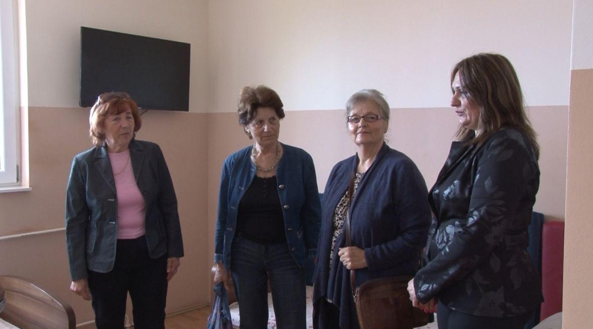 """Donacija Udruženja žena """"Ljiljan"""" Ustanovi za decu i mlade"""
