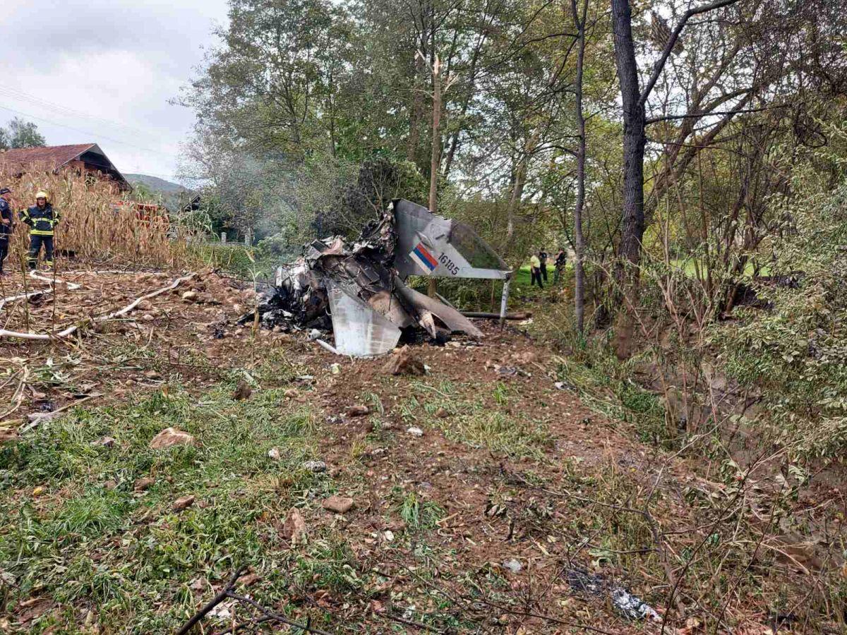 Тужилац: Погинула оба пилота, повређен мештанин