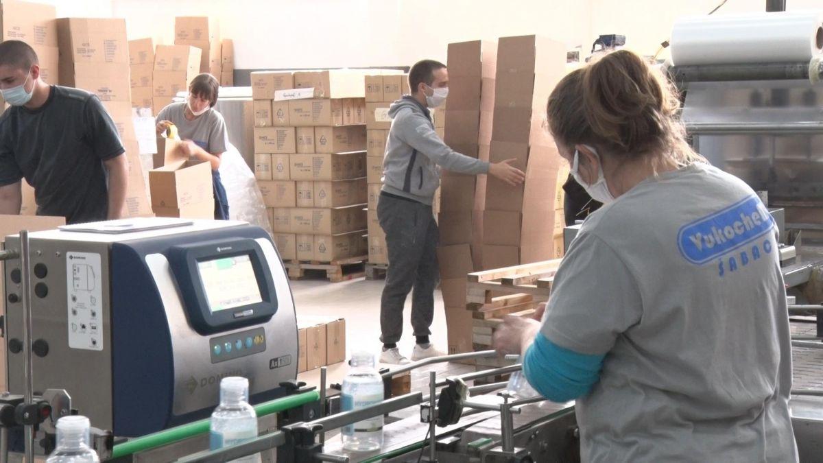 Tokom vanrednog stanja povećane plate radnicima