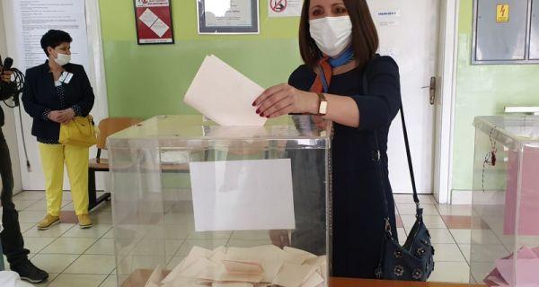 Jelena Milošević glasala u Drugoj zdravstvenoj stanici