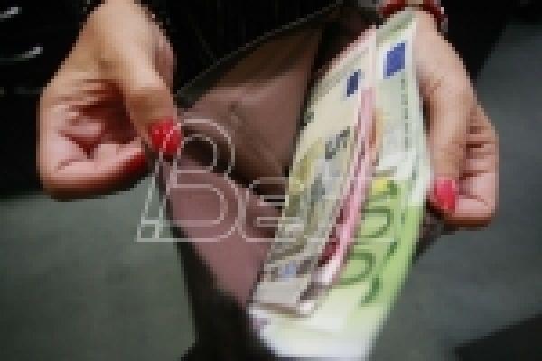 Danas počinje isplata pomoći građanima u Srbiji od po 30 evra