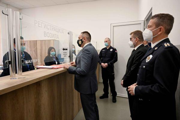 Ministar Vulin: Policija neće prestati da sprečava krijumčarenje i otimanje od države