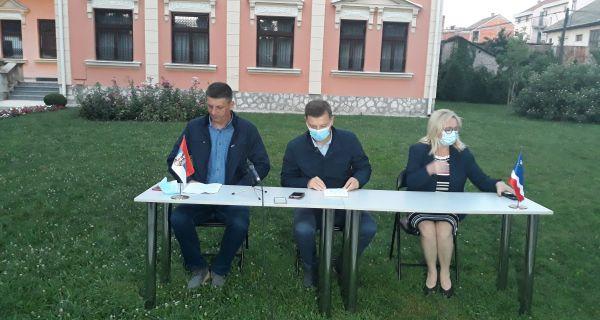 Pooštrene mere u borbi protiv Kovida u Šapcu:Današnji  broj  od   140   pozitivnih   u   odnosu   na  ukupan   broj   pozitivnih   lica   u   Srbiji iznosi 39,5%