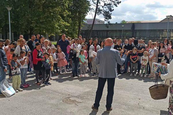 U opštini Bogatić 33 prvaka više nego lane - 5.000 dinara dar lokalne samouprave najmlađim školarcima