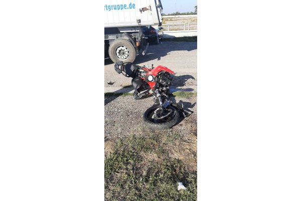Povređen motociklista