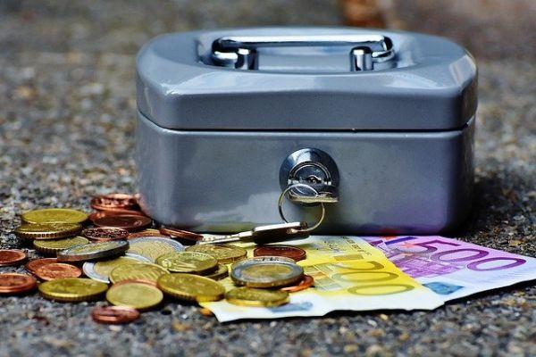 Za jedan evro 117,58 dinara