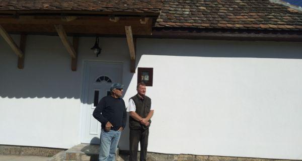 Bela kuća u Crnoj Bari